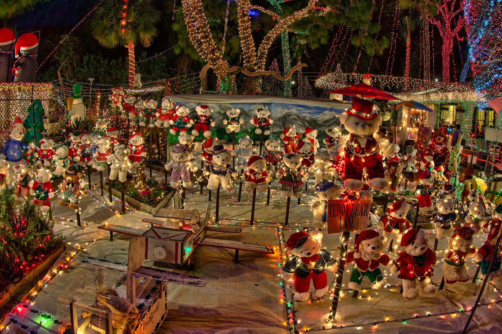 St Petersburg Christmas Lights | Matthew Paulson Photography