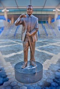 Phil Esposito Statue