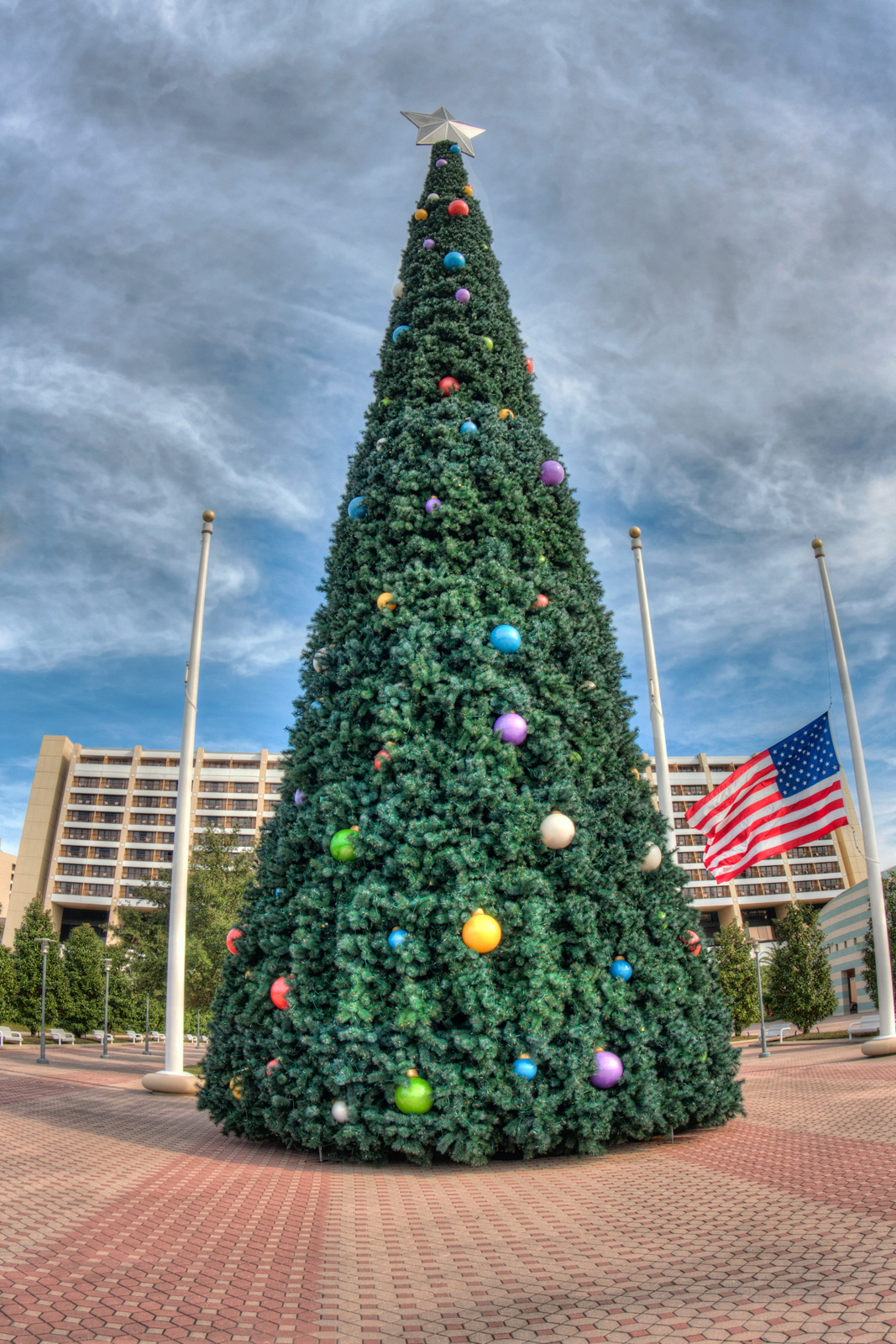Magnificent 50 Contemporary Christmas Tree Decorating