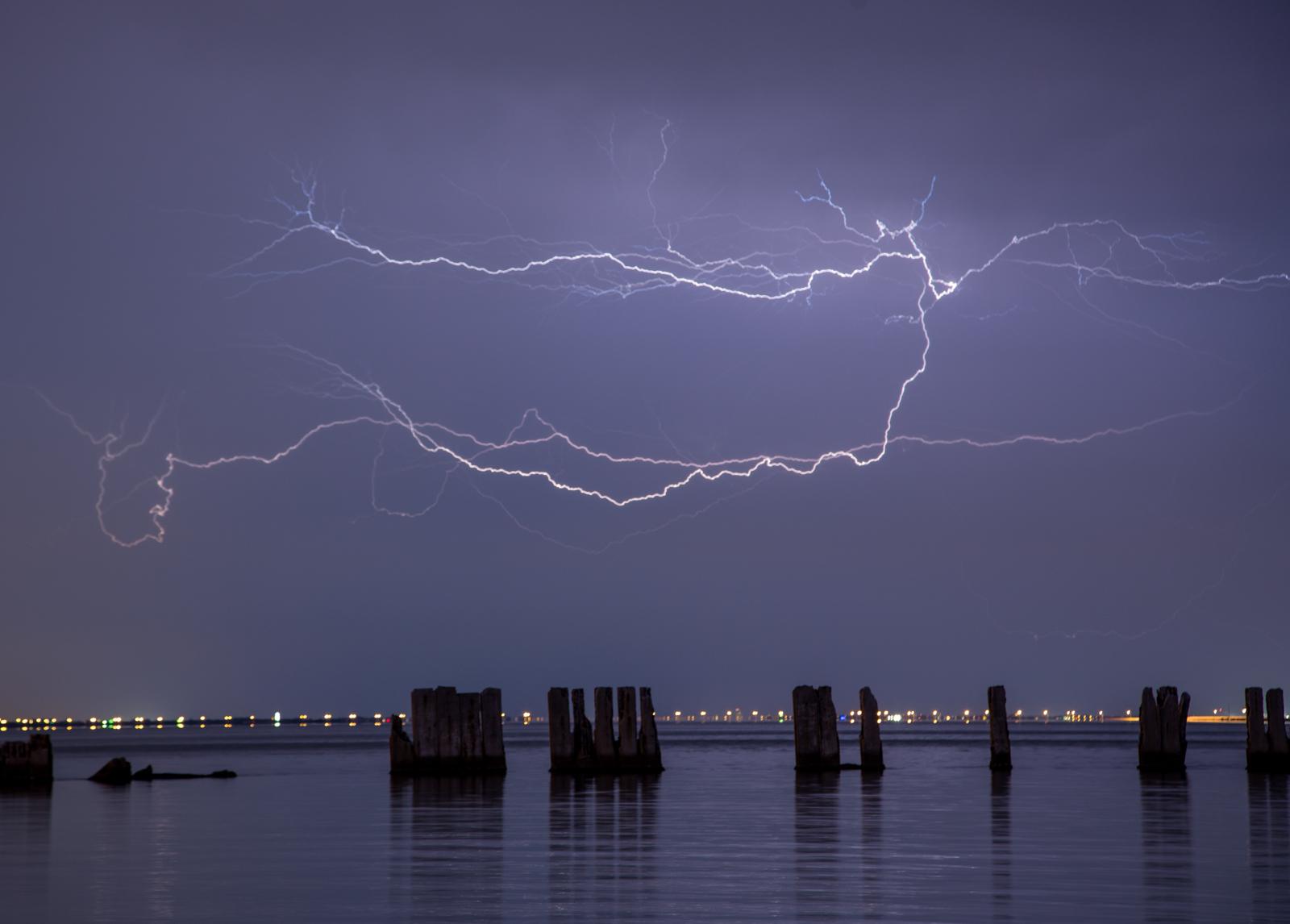 Gandy Lightning 3