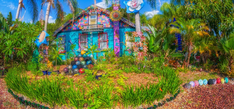 Whimzeyland – Safety Harbor Bowling Ball House