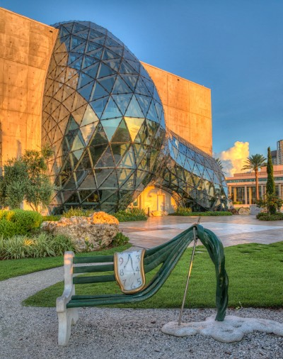 Dali Museum and Bench