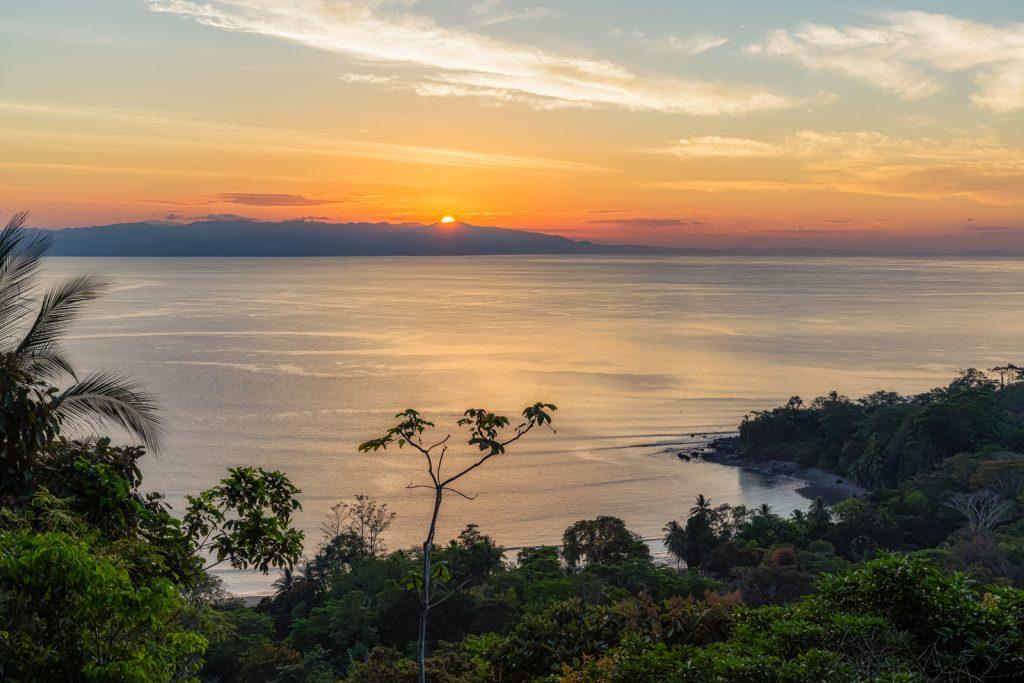 Golfo Dulce Sunrise, Lapa Rios Ecolodge, Costa Rica