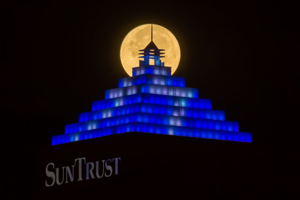 Supermoon on Suntrust Bolt (1), Tampa, Florida