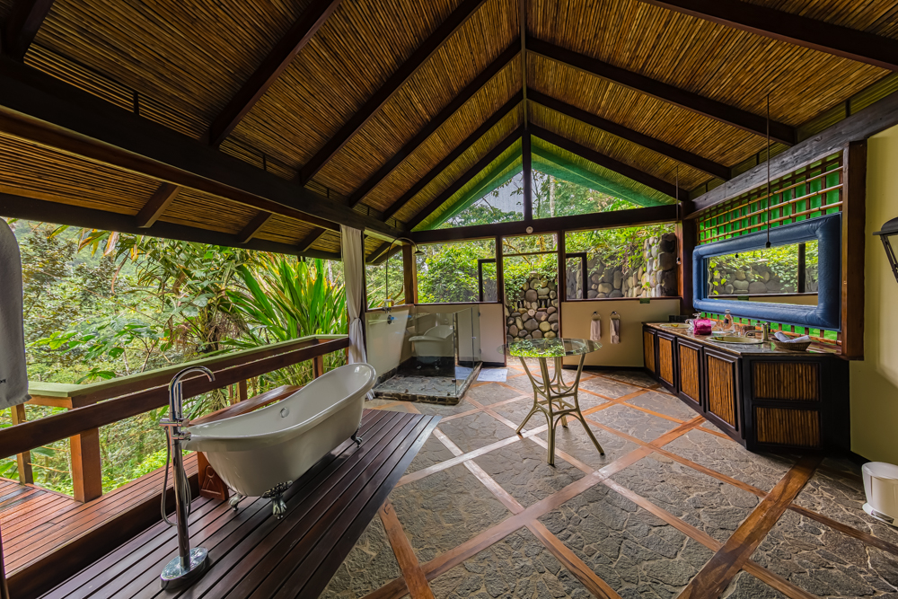 Pacuare Lodge - Linda Vista Suite Bathroom